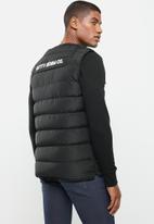 Cutty - Jacket sleeveless - black