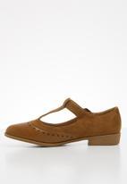 Jada - Mary jane buckle shoe - tan