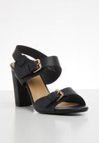 Jada - Buckle detail block heel - black