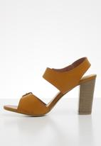 Jada - Buckle detail block heel - tan