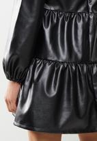 Missguided - Pu smock dress - black