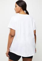 Nike - Plus nsw essential crew tee - white