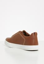 POLO - Harry gusset slip on sneaker - tan