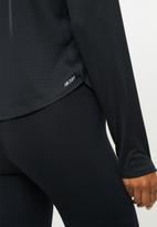 New Balance  - Accelerate long sleeve - black
