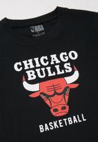NBA - Bulls icon straight hem tee - black