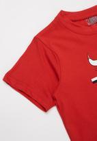 NBA - Bulls basketball straight hem tee - red