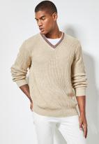Superbalist - Chunky textured deep vee knit - multi