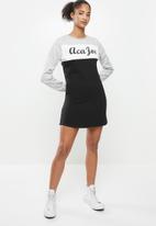 Aca Joe - Colourblock crew terry dress - grey & black