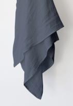 Phlo Studio - Muslin swaddle blanket - blue grey