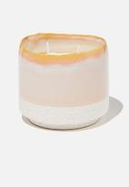 Cotton On - Serenity candle - apricot
