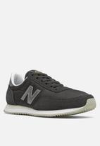 New Balance  - 720 - black