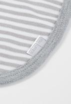 Little Lumps - Bib one size - grey stripe