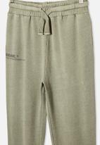 Free by Cotton On - Mason trackpant - swag green