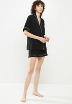 Superbalist - Sleep shirt & shorts set - black & white