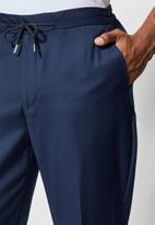 Superbalist - Deco elastic waistband tapered trousers - navy