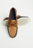Sebago - Portland archive leather - navy & tan
