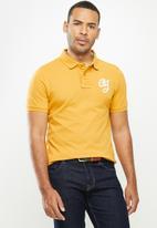 Aca Joe - Aca Joe big logo golfer - mustard