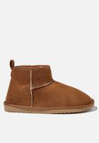 Cotton On - Body super cropped home boot - brown