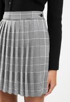 Blake - Sunray pleated mini skirt - black & white
