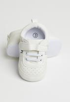 POP CANDY - Baby girls velcro strap soft sole shoes - white & silver