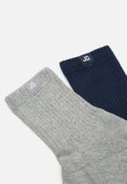 Jonathan D - 2-Pack branded quarter ribbed crew socks - navy & grey