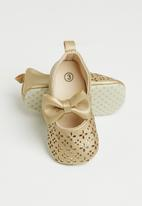 POP CANDY - Baby girls bow detail pumps - gold