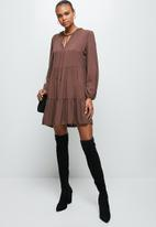 MILLA - Peached woven piecrust tiered midi dress- rootbeer