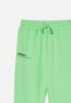 Free by Cotton On - Mason trackpant - washed spearmint/fresh