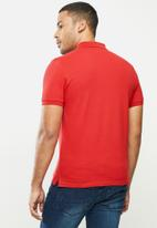 urban° - Mens urban small logo golfer - red