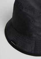 Converse - Washed bucket hat - black