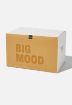 Typo - Large block candle-big mood mustard