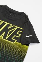 Nike - Nike grid tee - black