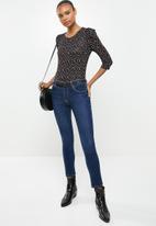 Jacqueline de Yong - Hailey dot 2/4 o-neck top - black