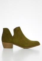 Jada - Western side cut ankle boot - olive