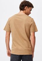Cotton On - Essential vee neck T-shirt - camel