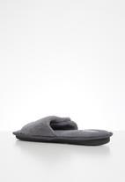 Superbalist - Caden slippers - grey