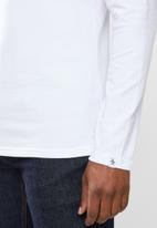 Original Penguin - Ls embroidered logo tee - bright white