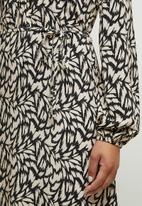 edit - Mandarin waist woven maxi - neutral & black