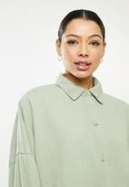 Missguided - Oversized pocket shirt co ord - sage