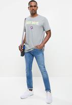 Nike - Nsw tee jdi 12 - grey