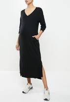 Superbalist - Easy fit v-neck long sleeve tee dress - black