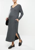 Superbalist - Easy fit v-neck long leeve tee dress - charcoal