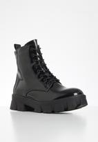 Missguided - Lego sole lace up chunky boot - black