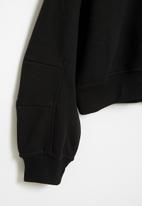 Superbalist - Girls cutline detail sweat top - black