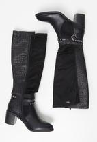 Plum - Cami knee length western boot - black
