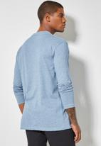 Superbalist - Nate recycled long sleeve crew neck tee - blue