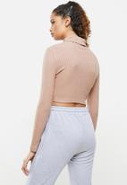 Blake - Cut & sew roll over crop top - dusty pink