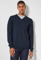 Superbalist - Basic vee neck slim fit knit - navy