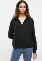 Cotton On - Kora collared long sleeve pullover - washed black
