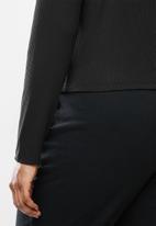 Blake - Rib turtleneck fitted crop top - black